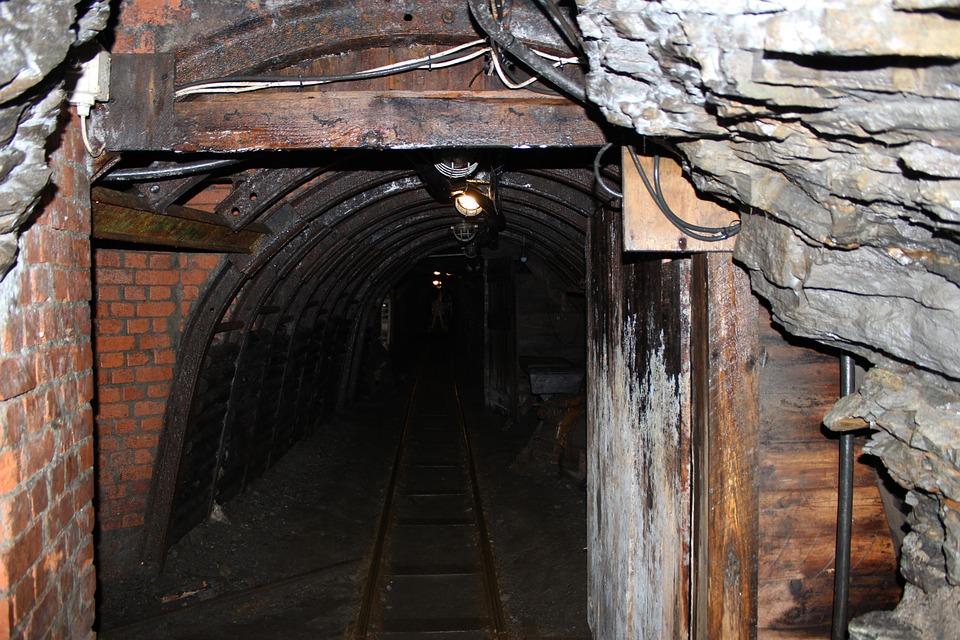 mine gisement métaux